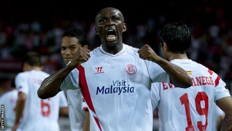 Stephane Mbia celebrates