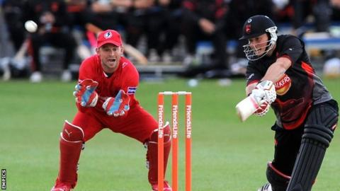 Greg Smith in action for Leicestershire