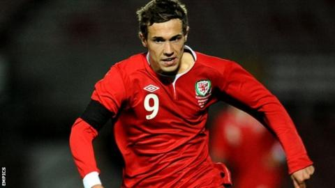 Wales Under-21 striker Tom Bradshaw