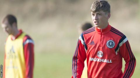 Ryan Gauld in training with Scotland