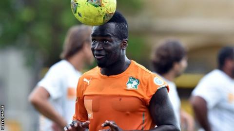 Cheick Tiote in training for Ivory Coast