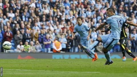 Sergio Aguero scores v Tottenham