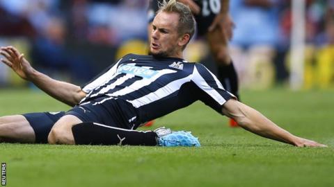 Newcastle midfielder Siem de Jong