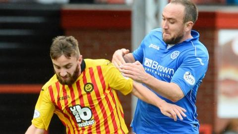 Partick Thistle's Steven Lawless and St Johnstone's Lee Croft