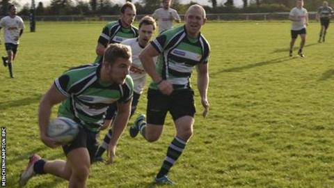 Mike Tindall playing for Minchinhampton