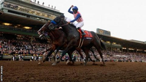 Breeders Cup Bayern Holds On For Classic Victory Bbc Sport