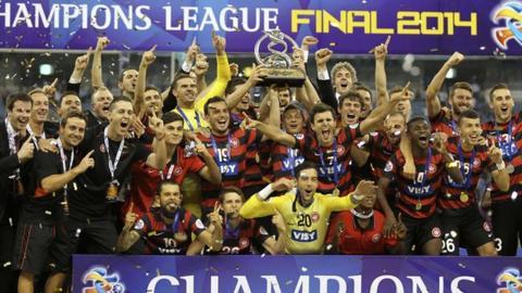 Western Sydney Wanderers celebrate winning the ACL