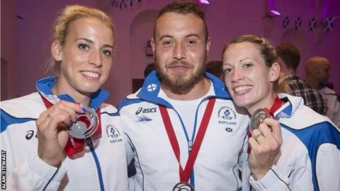 Lynsey Sharp, Mark Dry and Lynsey Sharp with their Commonwealth Games medals