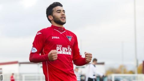 Faissal El Bakhtaoui celebrates scoring against East Stirlingshire