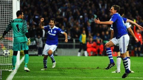 Champions League - Raul scores for Schalke against Inter Milan