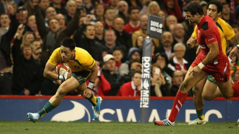 Christian Leali'ifano scores for Australia against Wales in 2013