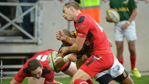 Liam Williams gives away a penalty try against South Africa in June, 2014