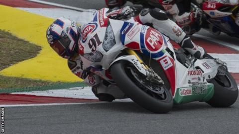 Leon Haslam in action for Honda