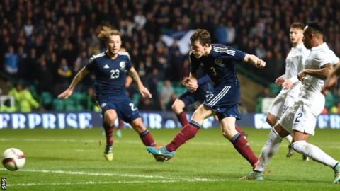 Andrew Robertson scores for Scotland