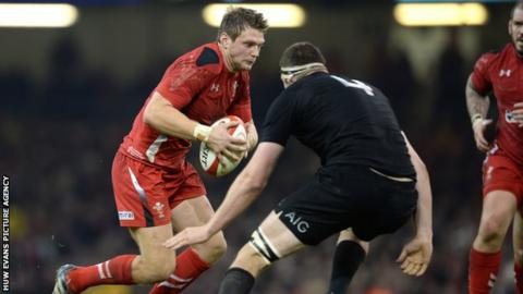 Dan Biggar on the attack for Wales against New Zealand