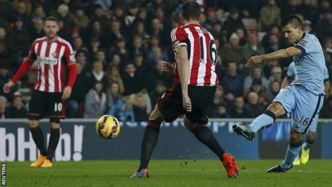 Sergio Aguero equalises for Manchester City at Sunderland
