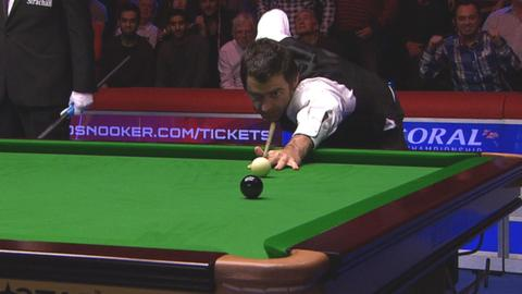 Ronnie O'Sullivan completes a maximum 147 break