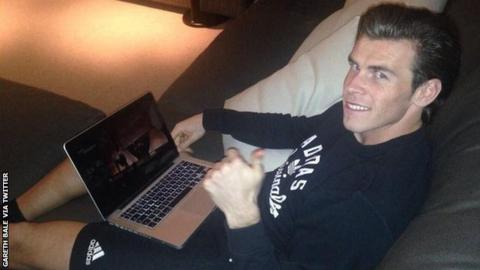 Gareth Bale watches the BBC Cymru Wales Sports Personality 2014