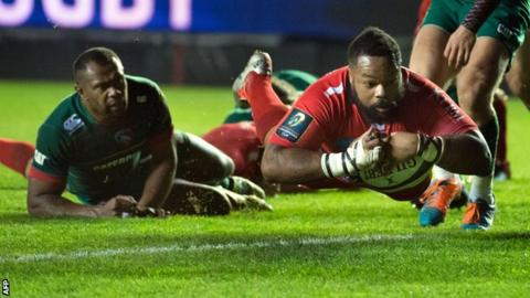 Mathieu Bastareaud dives over to score for Toulon in the win over Leicester