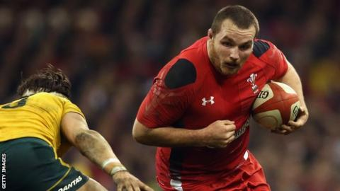 Scarlets: Wales pair Ken Owens and Liam Williams sign new deals