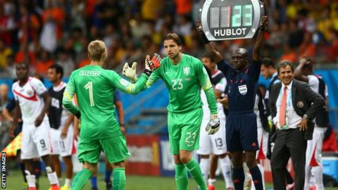 Tim Krul comes on for the Netherlands against Costa Rica