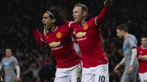 Wayne Rooney (r) and Radamel Falcao