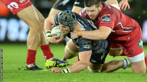 Flanker Dan Lydiate scored a try on his first Ospreys start