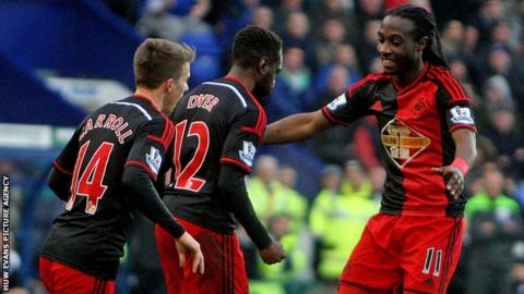 Tom Carroll (L), Nathan Dyer (C) and Marvin Emnes (R)