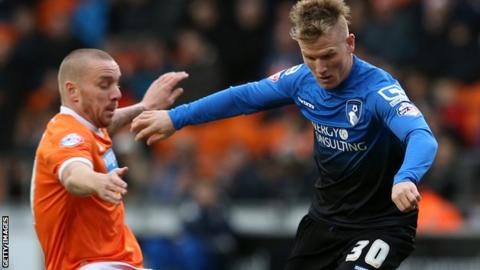 Matt Ritchie (right) playing against Blackpool