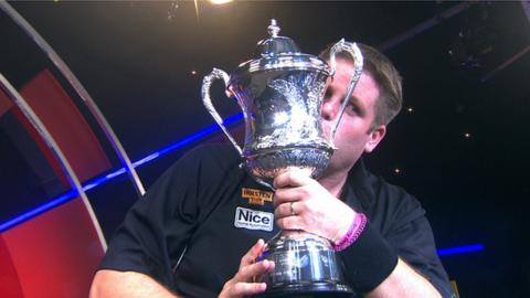 Scott Mitchell wins the 2014 BDO World Darts Championship