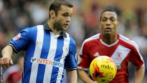 Shaun Maloney (left)