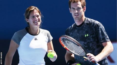 Amelie Mauresmo and Andy Murray during training in Australia