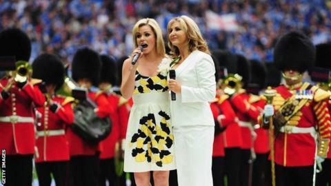 Katherine Jenkins (left) and Lesley Garrett
