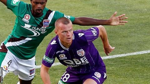 Darvydas Sernas in action for Perth Glory
