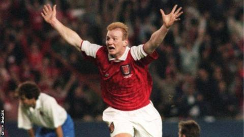 In his first season at Arsenal, John Hartson scored in the final of the 1995 European Cup Winners' Cup against Real Zaragoza.