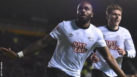Darren Bent celebrates scoring against Blackburn Rovers