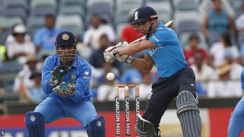 MS Dhoni and James Taylor