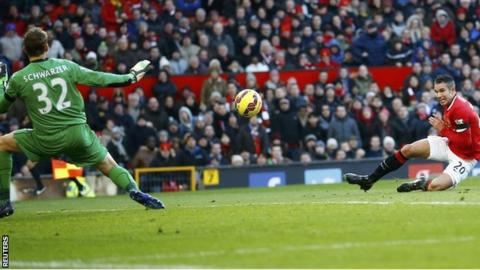 Robin van Persie gives Man Utd the lead