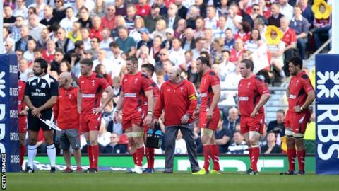 Wales line-up under their posts against England in the 2014 Six Nations Championship
