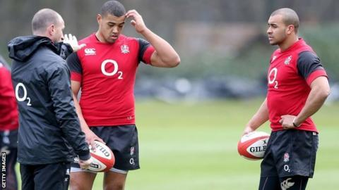 Mike Catt talks tactics with Luther Burrell and Jonathan Joseph
