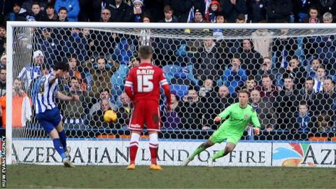 Sheffield Wednesday's Will Keane equalises from the penalty spot against Cardiff