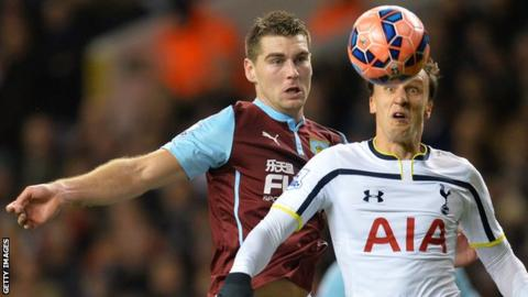 Sam Vokes in action against Spurs