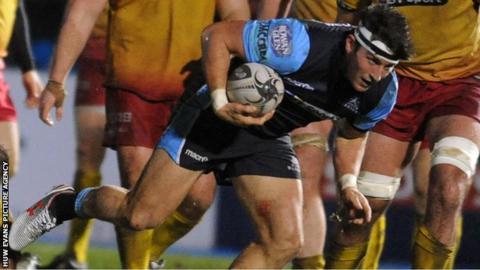 DTH van der Merwe scores a try for Glasgow
