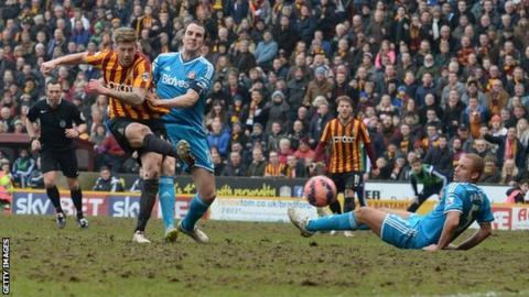 Jon Stead scores the second goal in Bradford's 2-0 FA Cup win over Sunderland