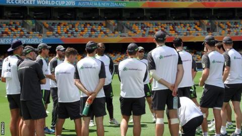 Ireland coach Phil Simmons delivers a team talk at the Gabba ahead of the UAE game