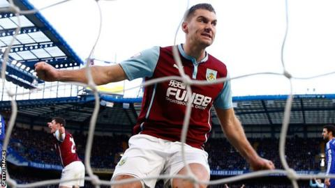 Sam Vokes celebrates scoring against Chelsea