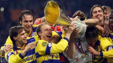 Parma celebrate winning the 1999 Uefa Cup