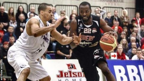Rashad Hassan in action for Leicester Riders