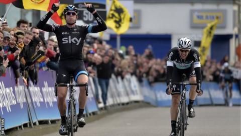 Ian Stannard beats Niki Terpstra in Omloop Het Nieuwsblad