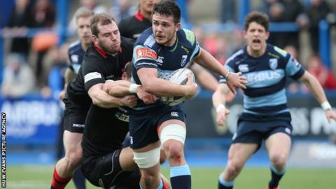 Ellis Jenkins breaks through the Edinburgh defence